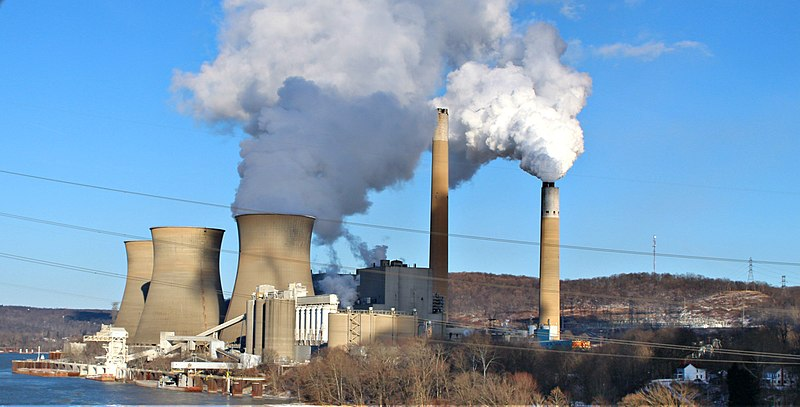 The Bruce Mansfield Power Plant on the Ohio River in Beaver County, Pennsylvania. (H/t Drums600/Wikimedia, Creative Commons)