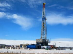 Oil-rig-Wyoming-2-728x554