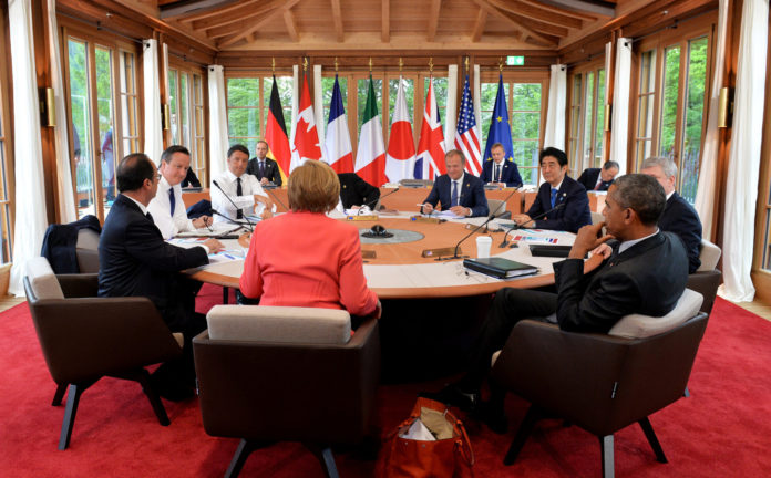 G7 leaders hold talks on the second day of the 2015 Summit in Germany